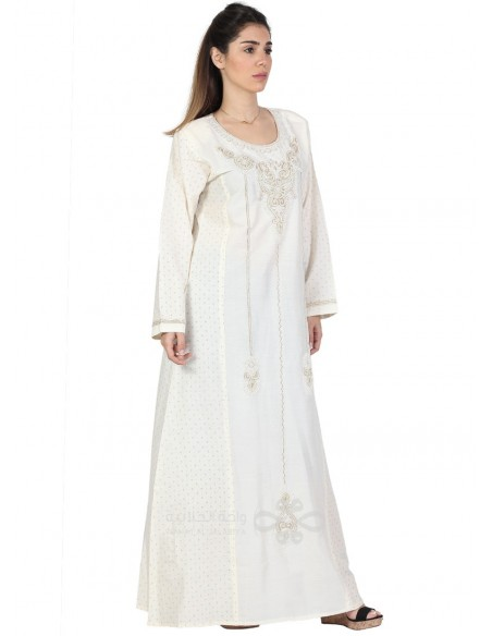 """Wear Me"" Printed cotton jilbab with a silver tone pendant ornamenting the chest (N-15358-5)"