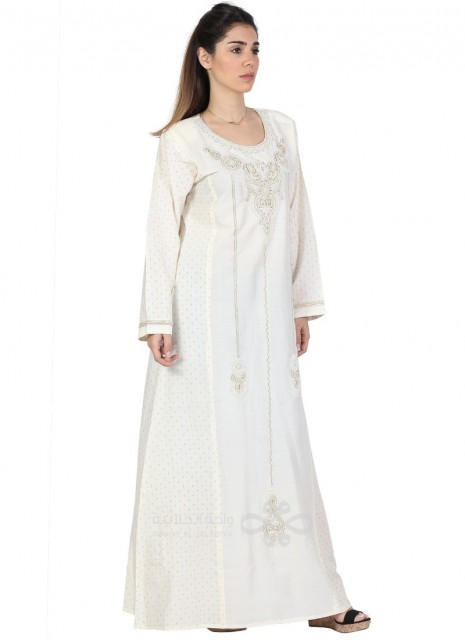 """""""Wear Me"""" Printed cotton jilbab with a silver tone pendant ornamenting the chest (N-15358-5)"""